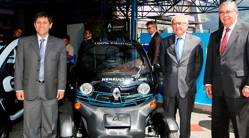Renault Particip 243 En Evento Acad 233 Mico De La Puce Q Auto