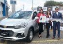 Chevrolet entrega vehículo a Reina de Quito