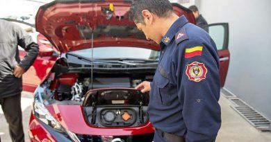 Capacitar sobre vehículos eléctricos a los Cuerpos de Bomberos es clave