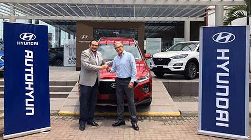 Hyundai premia a golfista Galo Cevallos tras hacer «Hoyo en Uno»