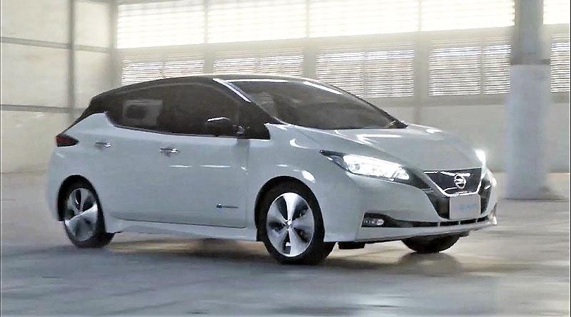 """Nissan LEAF desafía lo convencional con pruebas """"drift"""""""