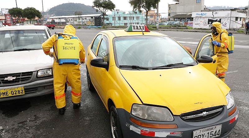 Cinco sitios para la desinfección de taxis en el DMQ