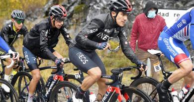 Richard Carapaz llega 12do en la 6ta etapa y es líder en España