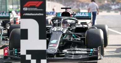 Lewis supera a Valtteri en la pole de Portugal y Max es tercero