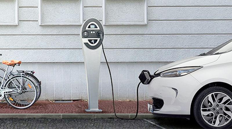 Aeade y Funme firman convenio para electro movilidad