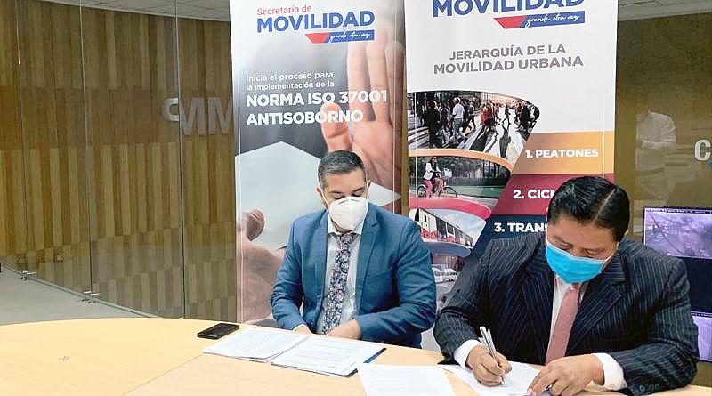 Operadoras de transporte público firman para mejorar servicio