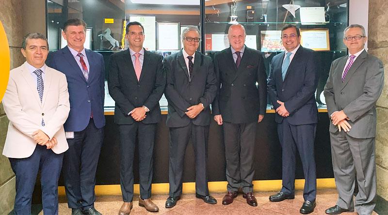 Vicepresidente de la República visitó la planta de Continental en Cuenca