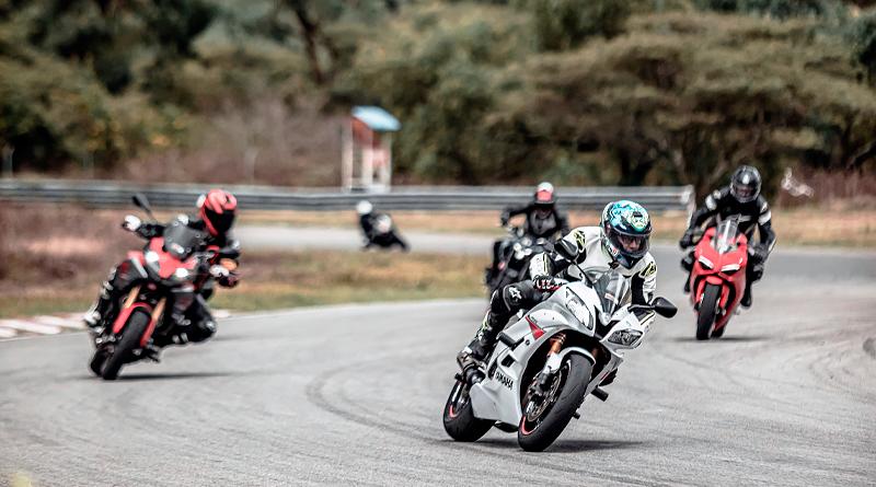 """""""Track Day"""" reunió en Yahuarcocha a motociclistas y aficionados"""